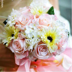 Belle Hortensia Rose Gerbera Bouquet De Mariée Tenant Des Fleurs Pour Le Mariage