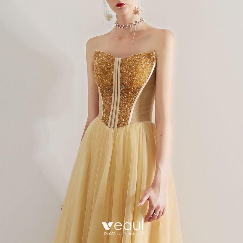 Sexy Gold Ballkleider 2019 A Linie Bandeau Perlenstickerei Kristall Armellos Ruckenfreies Lange Festliche Kleider