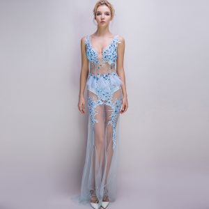 Sexy Sky Blue See-through Summer Evening Dresses  2018 Trumpet / Mermaid V-Neck Sleeveless Appliques Lace Rhinestone Sweep Train Ruffle Backless Formal Dresses
