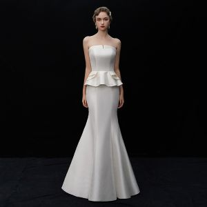 Modest / Simple Ivory Satin Wedding Dresses 2019 Trumpet / Mermaid Strapless Sleeveless Backless Floor-Length / Long Ruffle