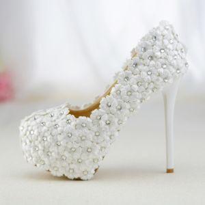 Chic / Belle Blanche Chaussure De Mariée 2019 En Dentelle Fleur Faux Diamant 14 cm Talons Aiguilles À Bout Rond Mariage Escarpins