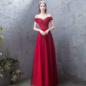 Charming Burgundy Evening Dresses  2019 A-Line / Princess Off-The-Shoulder Beading Crystal Lace Flower Sequins Short Sleeve Backless Floor-Length / Long Formal Dresses