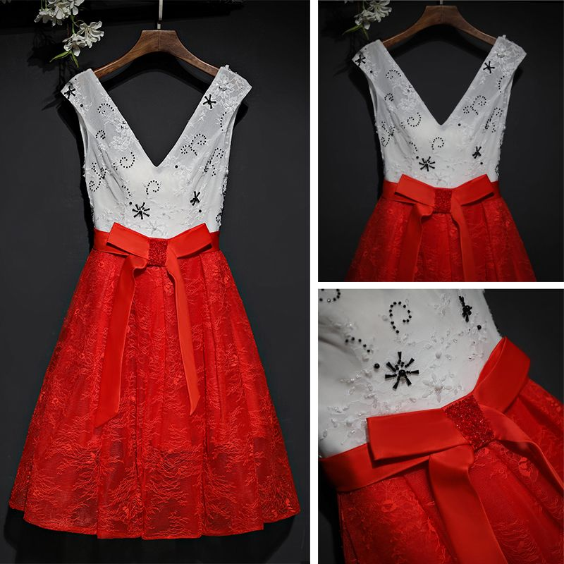 Lovely Red Formal Dresses 2017 Lace Flower Bow Short V-Neck Sleeveless A-Line / Princess Graduation Dresses