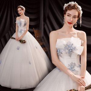 Asequible Blanco Exterior / Jardín Vestidos De Novia 2021 Ball Gown Sin Tirantes Sin Mangas Sin Espalda Apliques Con Encaje Rebordear Largos Ruffle