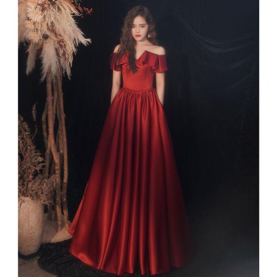 Chic / Beautiful Burgundy Satin Prom Dresses 2021 A-Line / Princess Off-The-Shoulder Short Sleeve Backless Floor-Length / Long Formal Dresses