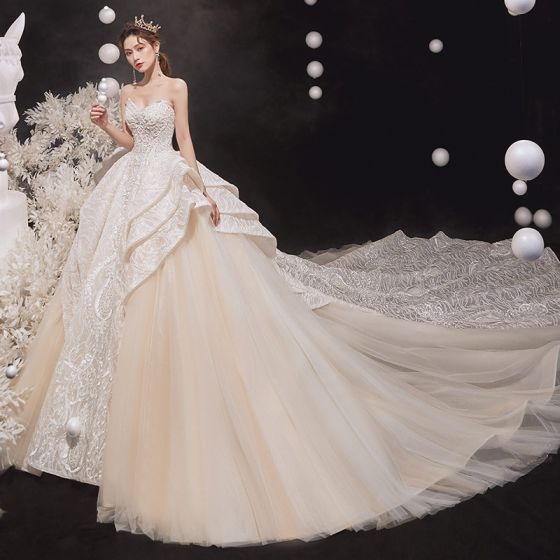 Luxury / Gorgeous Champagne Bridal Wedding Dresses 2020 Ball Gown Sweetheart Sleeveless Backless Glitter Tulle Appliques Lace Beading Royal Train Ruffle