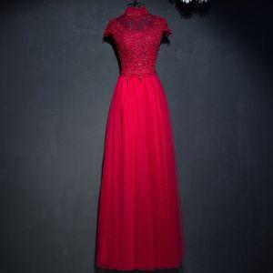 Hermoso Rojo Vestidos Formales 2017 Con Encaje Flor Lentejuelas Cuello Alto Manga Corta Largos Empire Vestidos de noche