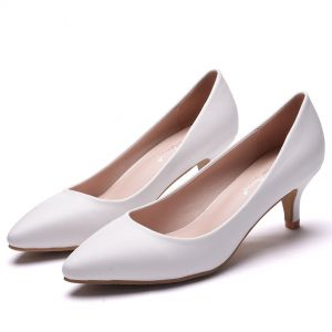 Modest / Simple White Office Pumps 2018 5 cm Stiletto Heels Low Heels / Kitten Heels Pointed Toe Pumps