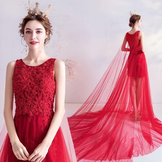 Charmant Rot Abendkleider 2020 A Linie Rundhalsausschnitt Perlenstickerei Pailletten Spitze Blumen Ärmellos Kathedrale Schleppe Festliche Kleider