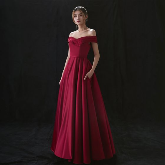 High-end Burgundy Satin Evening Dresses  2020 A-Line / Princess Off-The-Shoulder Short Sleeve Sash Floor-Length / Long Ruffle Formal Dresses
