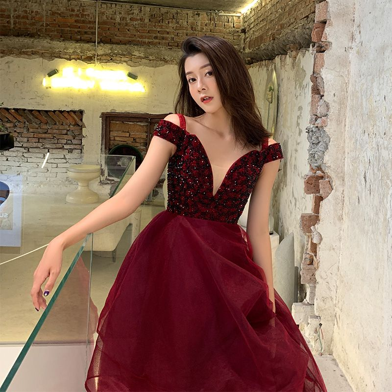 Elegant Burgundy Evening Dresses  2019 A-Line / Princess V-Neck Short Sleeve Beading Sweep Train Cascading Ruffles Backless Formal Dresses