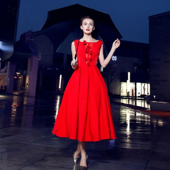 Chic / Beautiful Red Homecoming Graduation Dresses 2017 Ball Gown Pierced Artificial Flowers Scoop Neck Crossed Straps Backless Sleeveless Tea-length