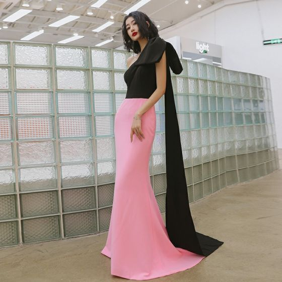 Dos colores Negro Rosa Vestidos de noche 2020 Trumpet / Mermaid Un Hombro Bowknot Sin Mangas Colas De Barrido Sin Espalda Vestidos Formales