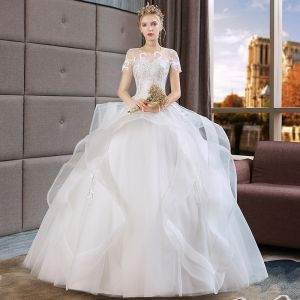 Vintage / Retro Ivory See-through Wedding Dresses 2019 Ball Gown Scoop Neck Short Sleeve Appliques Lace Floor-Length / Long Cascading Ruffles