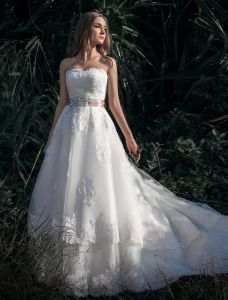 A-line Sweetheart Sleeveless Appliques Lace Organza Satin Wedding Dress