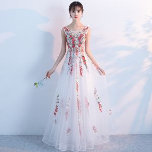 Amazing / Unique Hall Formal Dresses 2017 Prom Dresses White A-Line / Princess Floor-Length / Long Cascading Ruffles Scoop Neck Sleeveless Backless Appliques Flower