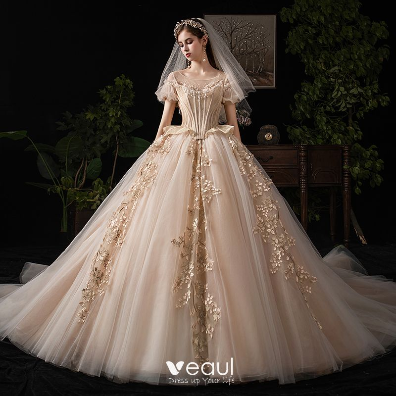 Luxury / Gorgeous Victorian Style Vintage / Retro Champagne Wedding Dresses  2019 Ball Gown Scoop Neck Beading Lace Flower Short Sleeve Backless Royal