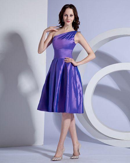 Taffeta One Shoulder Ruffle Knee Length Bridesmaid Dresses