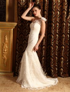 2015 Trompete / Mermaid One Shoulder Spitze Brautkleid