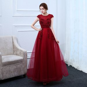 Chic / Beautiful Burgundy Evening Dresses  2018 A-Line / Princess Scoop Neck Cap Sleeves Appliques Flower Pearl Rhinestone Sash Ankle Length Ruffle Backless Formal Dresses
