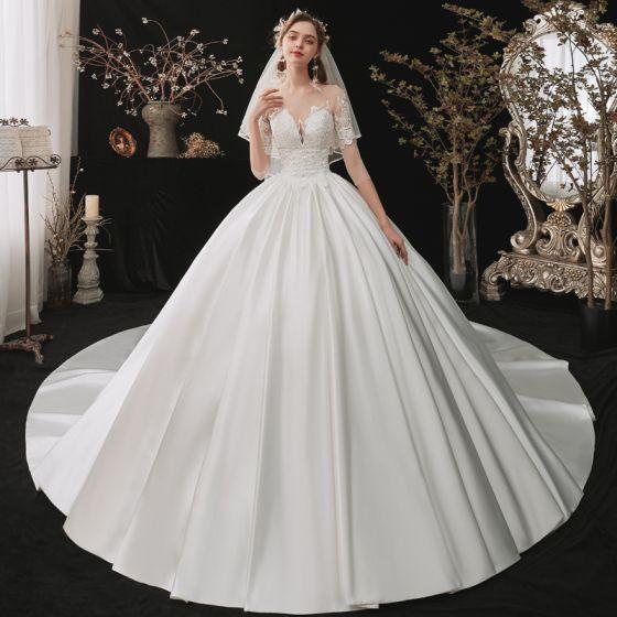 Moda Białe Satyna ślubna Suknie Ślubne 2020 Suknia Balowa Przezroczyste Kwadratowy Dekolt 1/2 Rękawy Bez Pleców Aplikacje Z Koronki Cekiny Trenem Katedra Wzburzyć