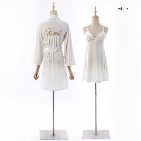 Schlicht Weiß Velour V-Ausschnitt Lange Ärmel Hochzeit Hochzeits Brautjungfer Winter Nachthemden 2020 Stoffgürtel Stickerei