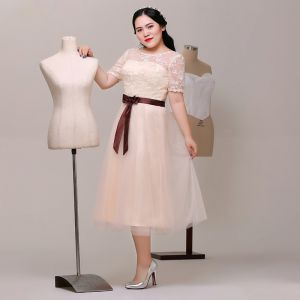 Charming Champagne Plus Size Graduation Dresses 2018 A-Line / Princess Lace-up Tulle U-Neck Appliques Backless Embroidered Homecoming Formal Dresses