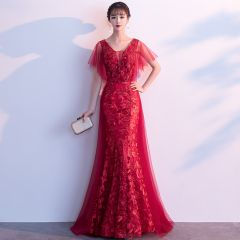 Chic / Beautiful Burgundy Evening Dresses  2019 A-Line / Princess V-Neck Crystal Lace Flower Short Sleeve Backless Floor-Length / Long Formal Dresses
