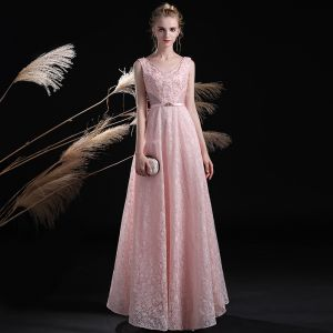 Schön Rosa Abendkleider 2017 A Linie Spitze Kristall Pailletten Strass Stoffgürtel Rückenfreies V-Ausschnitt Knöchellänge Festliche Kleider