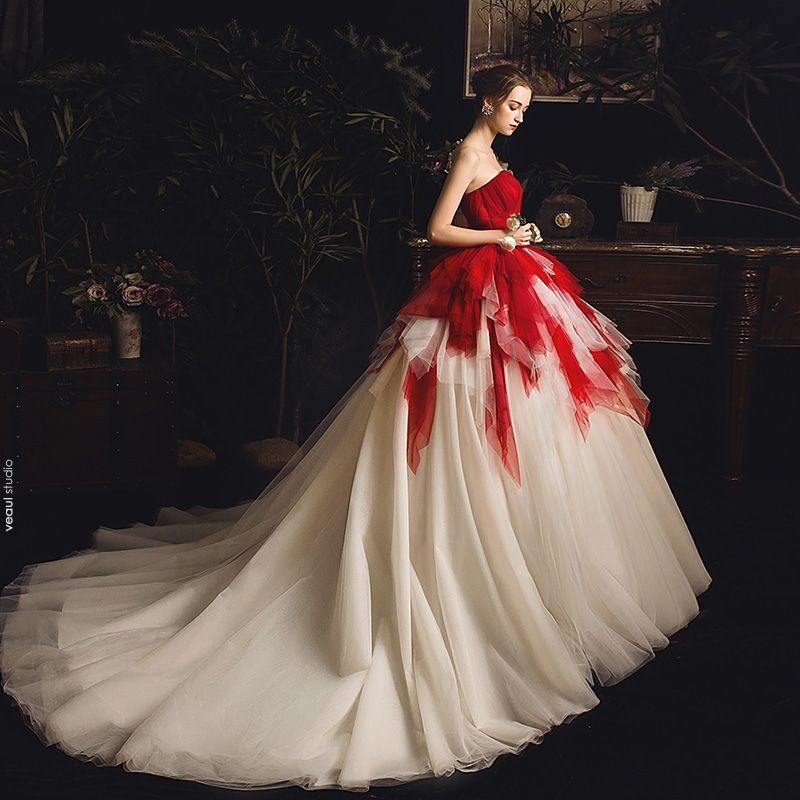 Amazing / Unique Red Champagne Wedding Dresses 2019 Ball Gown Sweetheart Sleeveless Backless Chapel Train Cascading Ruffles