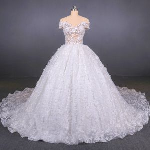 Illusion Luxury / Gorgeous White Bridal Wedding Dresses 2020 Ball Gown Off-The-Shoulder Short Sleeve Backless Appliques Lace Beading Cathedral Train Ruffle