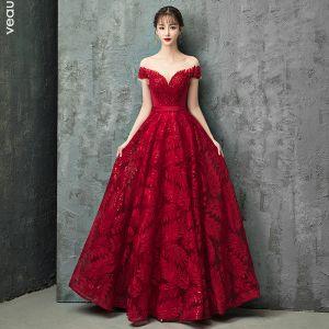 Charmig Burgundy Aftonklänningar 2019 Prinsessa Urringning Spets Beading Kristall Paljetter Korta ärm Halterneck Långa Formella Klänningar