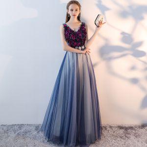 Fine Mørk Marineblå Ballkjoler 2017 Prinsesse Appliques Krystall V-Hals Ryggløse Uten Ermer Lange Formelle Kjoler