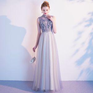 Elegante Grau Abendkleider 2020 A Linie Stehkragen Perle Strass Spitze Blumen Ärmellos Lange Festliche Kleider