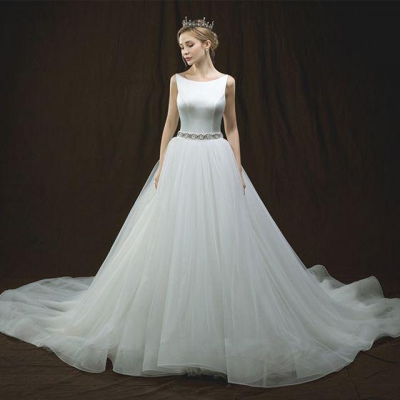 Elegant Ivory Wedding Dresses 2018 A-Line / Princess Scoop Neck Sleeveless Backless Pearl Rhinestone Sash Chapel Train Ruffle