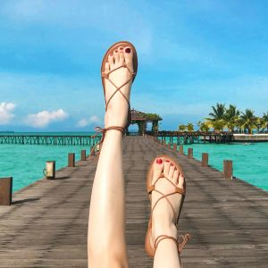 Böhmen Braun Sandalen Damen 2019 Sommer Strand Garten / Im Freien Peeptoes Riemchen X-Riemen Flache Sandaletten Damenschuhe