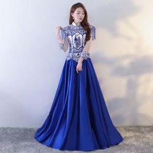Chinesischer Stil Königliches Blau Ballkleider 2017 A Linie Charmeuse Neckholder Stickerei Perlenstickerei Rückenfreies Abend Festliche Kleider