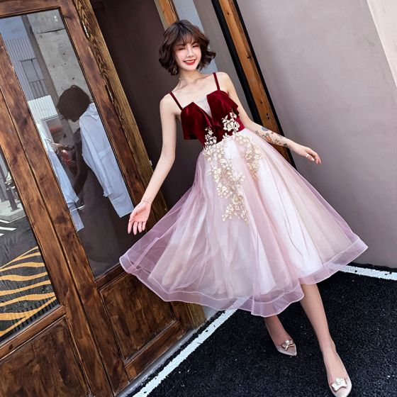 Chic / Beautiful Burgundy Homecoming Graduation Dresses 2019 A-Line / Princess Suede Spaghetti Straps Lace Flower Sleeveless Backless Tea-length Formal Dresses