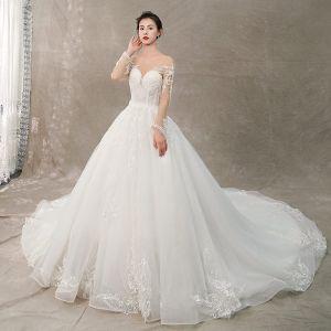 Elegante Ivory / Creme Brautkleider / Hochzeitskleider 2019 A Linie Rundhalsausschnitt Spitze Blumen Lange Ärmel Rückenfreies Kathedrale Schleppe