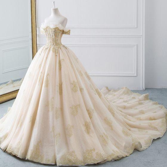 Lyx Champagne Guld Bröllopsklänningar 2019 Balklänning Av Axeln Korta ärm Halterneck Glittriga / Glitter Tyll Beading Cathedral Train Ruffle