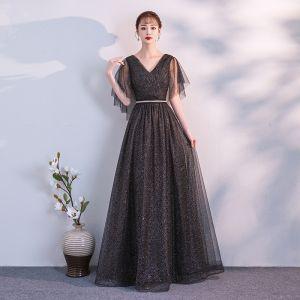 Mode Schwarz Abendkleider 2018 A Linie Stoffgürtel V-Ausschnitt Rückenfreies Kurze Ärmel Lange Festliche Kleider