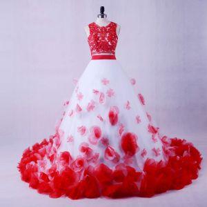 Atemberaubend 2 Stück Rot Weiß Brautkleider 2017 Rundhalsausschnitt Bandeau Ärmellos Rüschen Blumen Ballkleid Kapelle-Schleppe