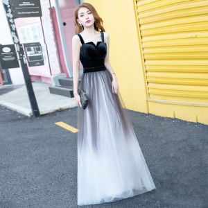 Moderne / Mode Noire Dégradé De Couleur Blanche Daim Robe De Soirée 2018 Princesse épaules Sans Manches Longue Volants Dos Nu Robe De Ceremonie