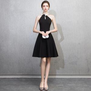 Mode Schwarz Heimkehr Abiballkleider 2018 A Linie Rundhalsausschnitt Ärmellos Kurze Rüschen Rückenfreies Festliche Kleider