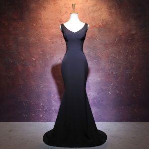 Modest / Simple Black Pierced Evening Dresses  2017 Trumpet / Mermaid V-Neck Sleeveless Beading Court Train Backless Formal Dresses