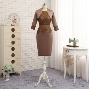 Amazing / Unique Brown With Shawl Trumpet / Mermaid Mother Of The Bride Dresses 2019 Lace Satin U-Neck Embroidered Church Short Wedding Party Dresses