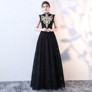 Vintage Black Evening Dresses  2017 A-Line / Princess High Neck Sleeveless Appliques Lace Rhinestone Floor-Length / Long Ruffle Formal Dresses
