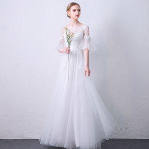 Elegante Weiß Durchsichtige Abendkleider 2019 A Linie Rundhalsausschnitt Glockenhülsen Applikationen Spitze Lange Rüschen Rückenfreies Festliche Kleider