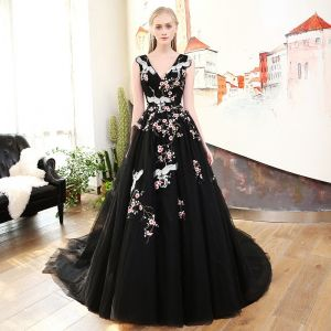 Chic / Beautiful Black Prom Dresses 2018 A-Line / Princess Embroidered V-Neck Backless Sleeveless Court Train Formal Dresses