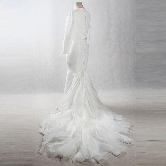 Vintage / Retro Ivory Chapel Train 2018 Wedding Trumpet / Mermaid Long Sleeve Scoop Neck Charmeuse Puffy Buttons Wedding Dresses